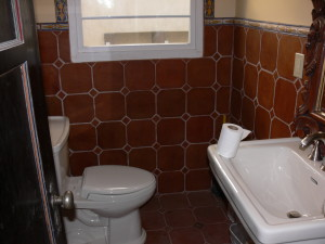 Mexican decorative tile in bathroom